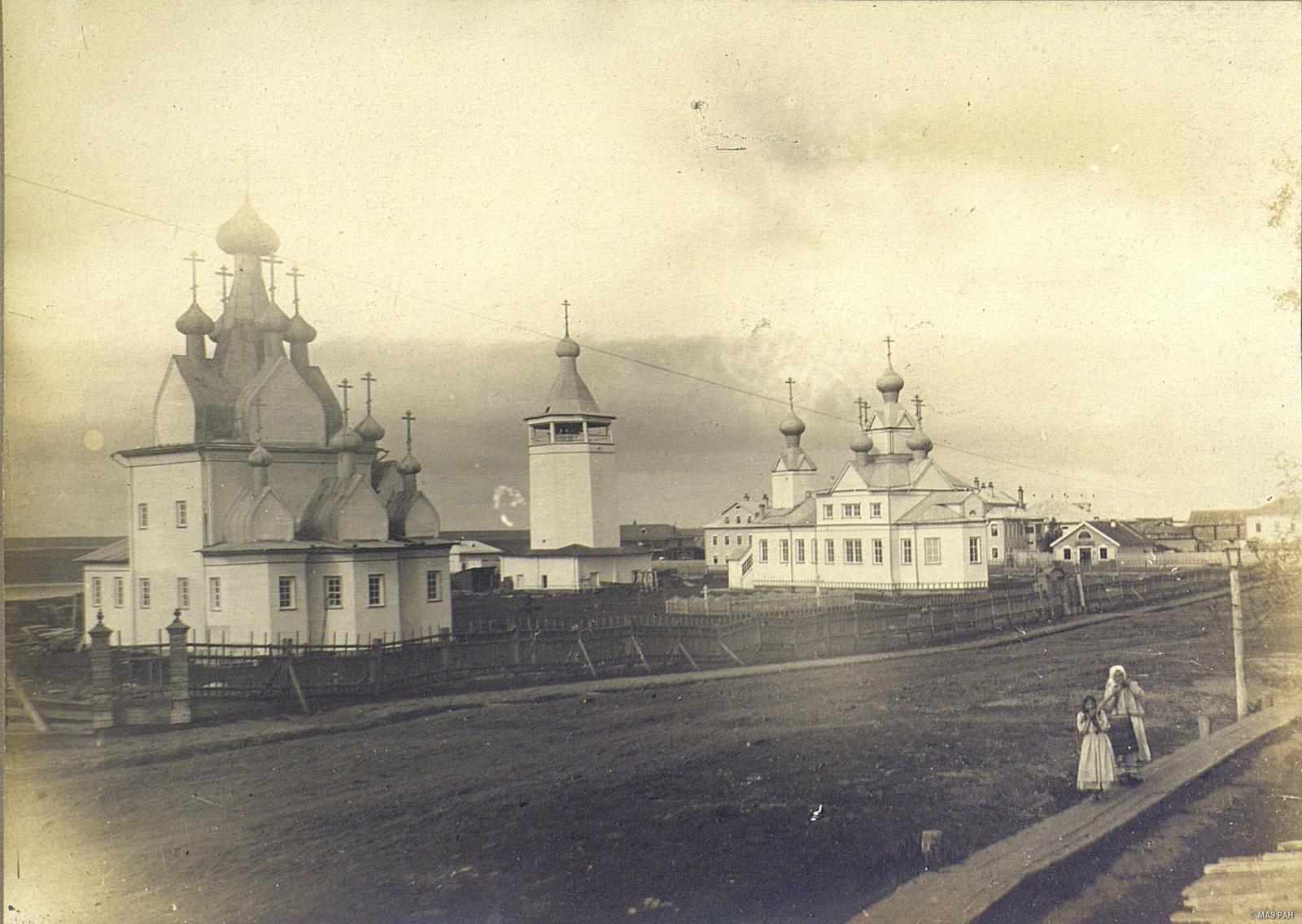 Мезень.  Соборы XVII века
