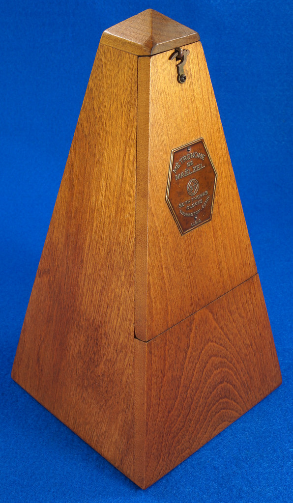 RD30627 Early Seth Thomas Metronome De Maelzel #7 4913 with Copper Badge on Front DSC08841