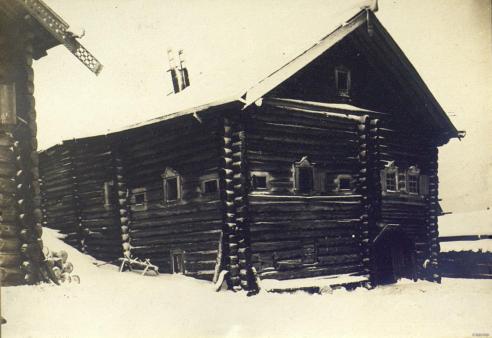 Мезень.  Тип дома со входом под избою