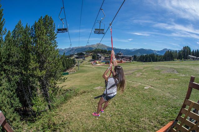 Tirolina en Mon(t) Magic Family Park (Andorra)