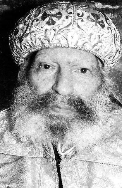 الأنبا ثاؤفيلس رئيس دير السريان