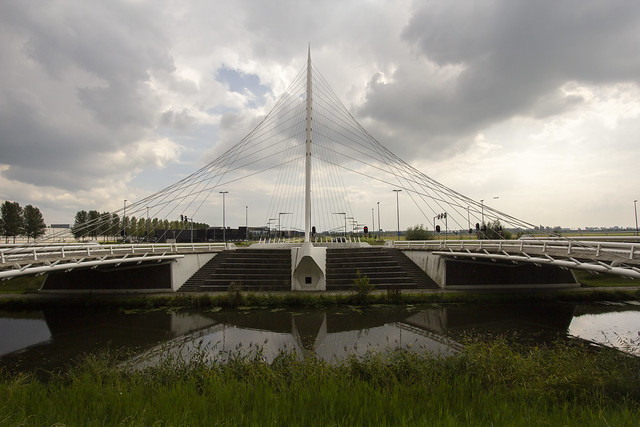 Calatrava bridge, the lute (Haarlemmermeer municipality, Holland) 2