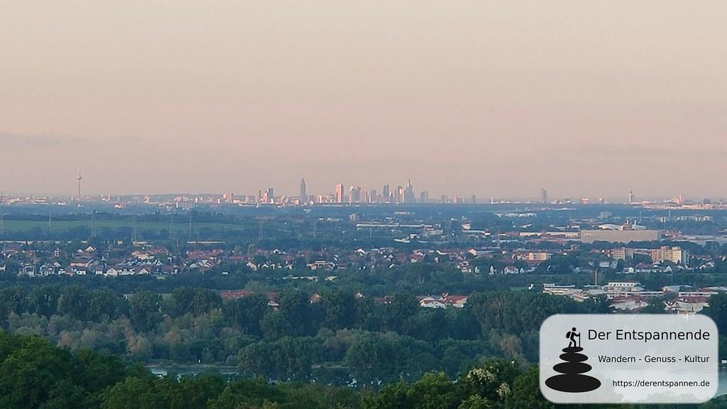 Blick nach Frankfurt in der Abendsonne