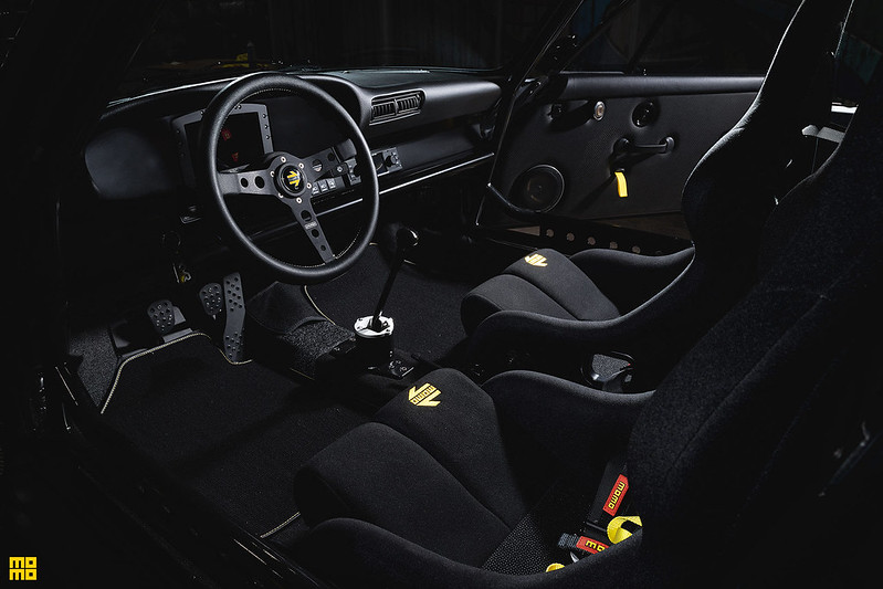 Kelly-Moss-Porsche-911-Safari-9
