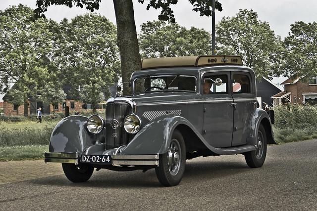 Panhard et Levassor X72 Berline 1933 (3906)
