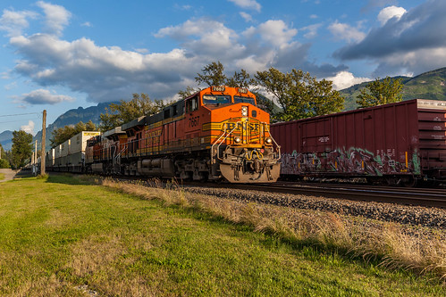 BNSF Train running through Gold Bar | by PR Photography