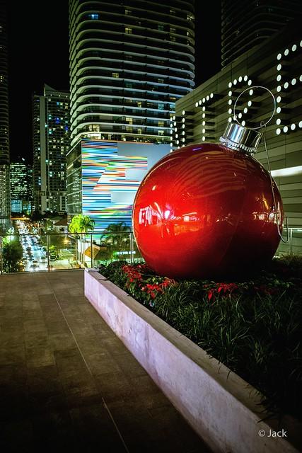 Miami mood - la boule rouge