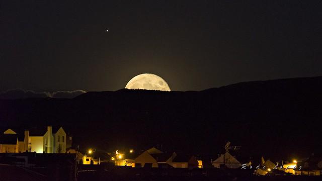 Bembibre bajo luna llena y Júpiter  _DSC4864