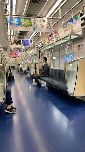 三ヶ月ぶりに出社 - 空いてる地下鉄