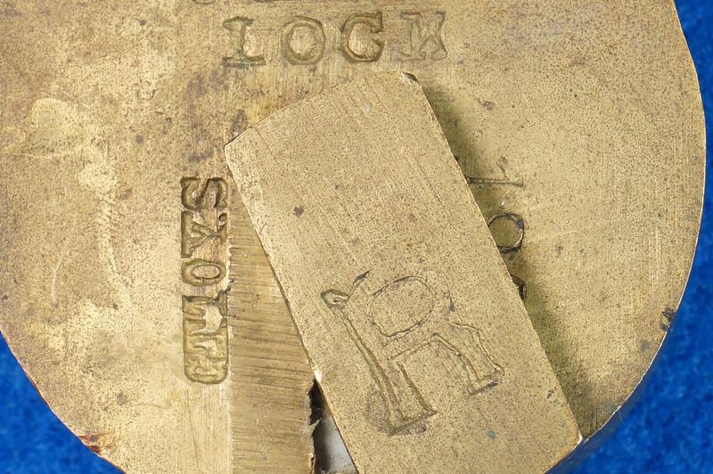 RD30529 Antique Brass Padlock Jewel Lock 1945 GT10Y.S  R Logo DSC08886