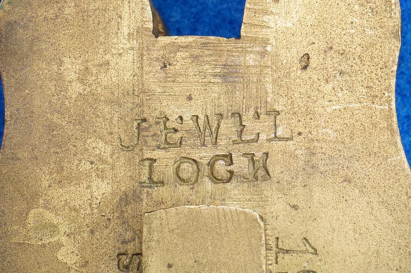 RD30529 Antique Brass Padlock Jewel Lock 1945 GT10Y.S  R Logo DSC08884