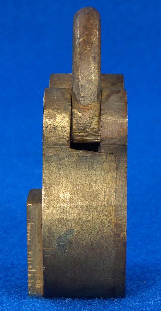 RD30529 Antique Brass Padlock Jewel Lock 1945 GT10Y.S  R Logo DSC08889