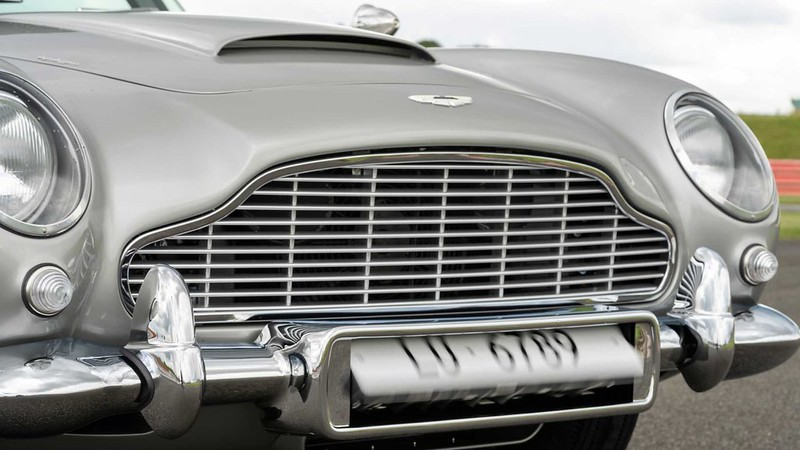first-aston-martin-db5-goldfinger-continuation-car (5)