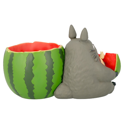 大口大口吃著清涼的西瓜!橡子共和國「龍貓吃西瓜 置物花盆」療癒感100分~(となりのトトロ プランターカバー スイカ畑から)