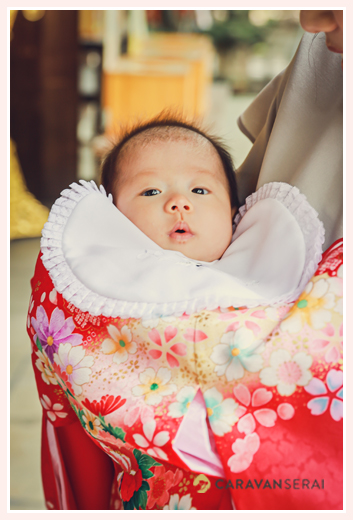 お宮参り 女の子赤ちゃん 赤の産着とよだれかけ