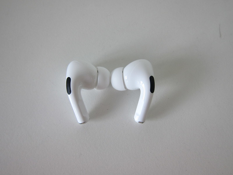 Apple AirPods Pro - Back