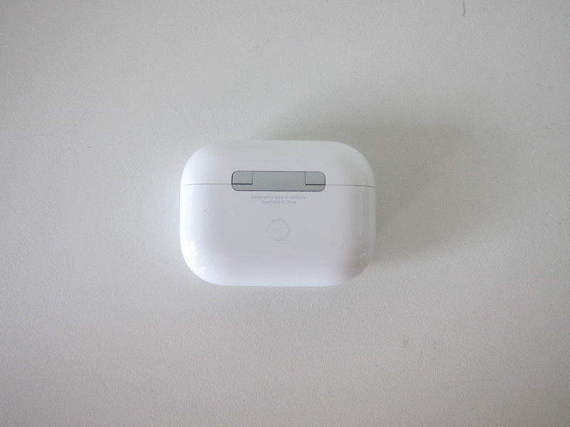 Apple AirPods Pro - Charging Case - Back