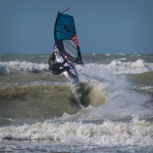 Surfers in De Haan 5 juli - 19