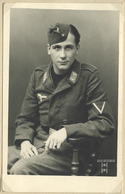 ArchivTappenX688 Gefreiter Günter Buck, WWII, Luftwaffe, 1940er