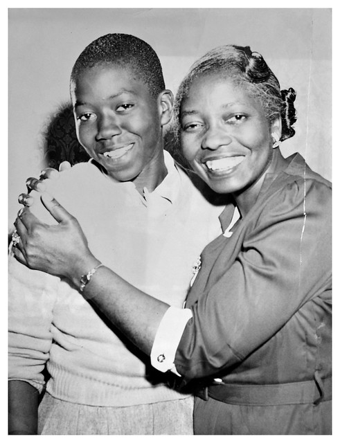 Plaintiff in D.C. school integration hugged by mother: 1954