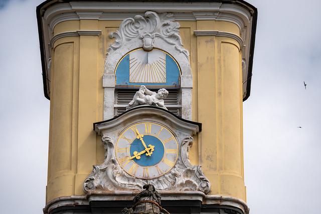 Leipzig, Gohliser Schlösschen: Uhr am Turm  - Leipzig, Gohlis Manor: Clock on the tower