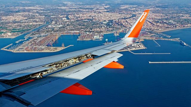 Making Final Approach into Valencia ( The Port Area) Panasonic Lumix LX15