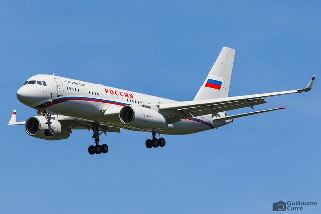 RA-64059 Tupolev Tu-204-300 Rossiya - Special Flight Squadron