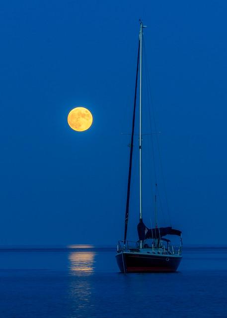 Full Moon rising over Lake Ontario