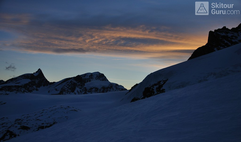 Signalkuppe / Punta Gnifetti Walliser Alpen / Alpes valaisannes Switzerland photo 01