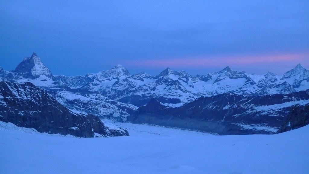 Signalkuppe / Punta Gnifetti Walliser Alpen / Alpes valaisannes Switzerland photo 12