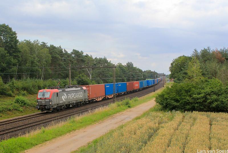PKP 193 514 met Containertrein te Holten -02-07-2020