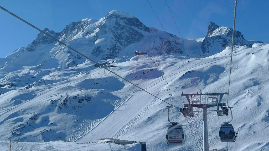 Breithorn - Zermatt Walliser Alpen / Alpes valaisannes Switzerland photo 17
