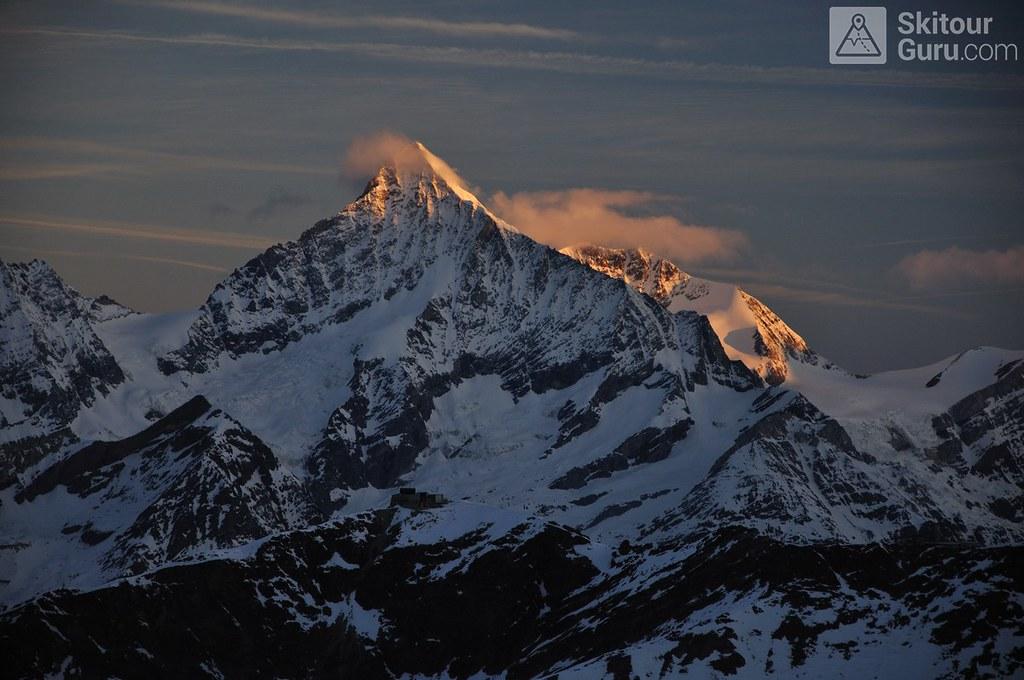 Signalkuppe / Punta Gnifetti Walliser Alpen / Alpes valaisannes Switzerland photo 02