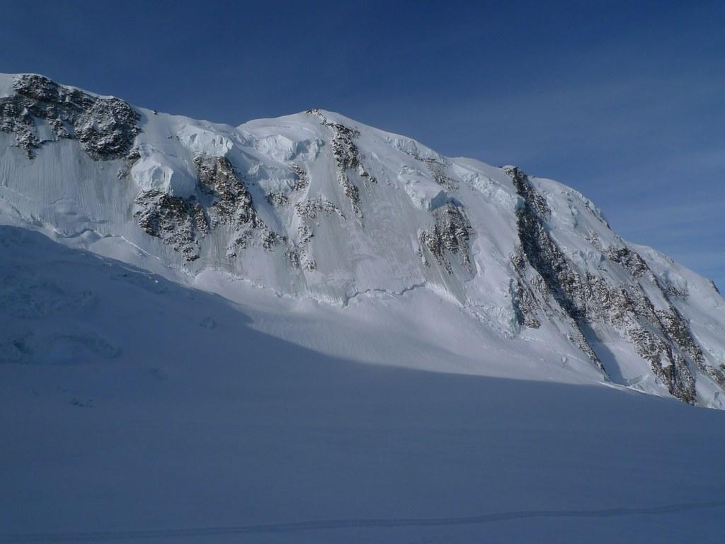 Signalkuppe / Punta Gnifetti Walliser Alpen / Alpes valaisannes Switzerland photo 19