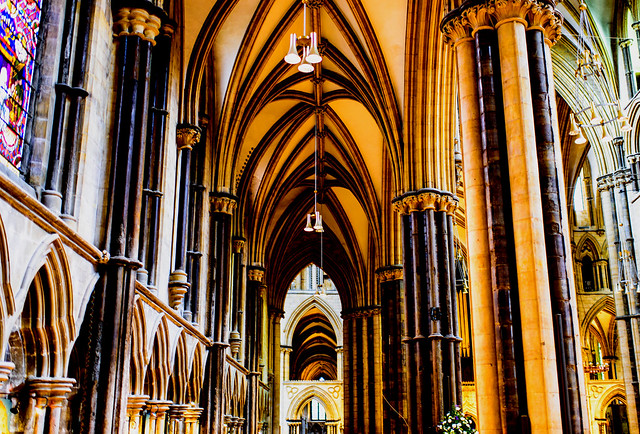 Lincoln Cathedral - interior-2