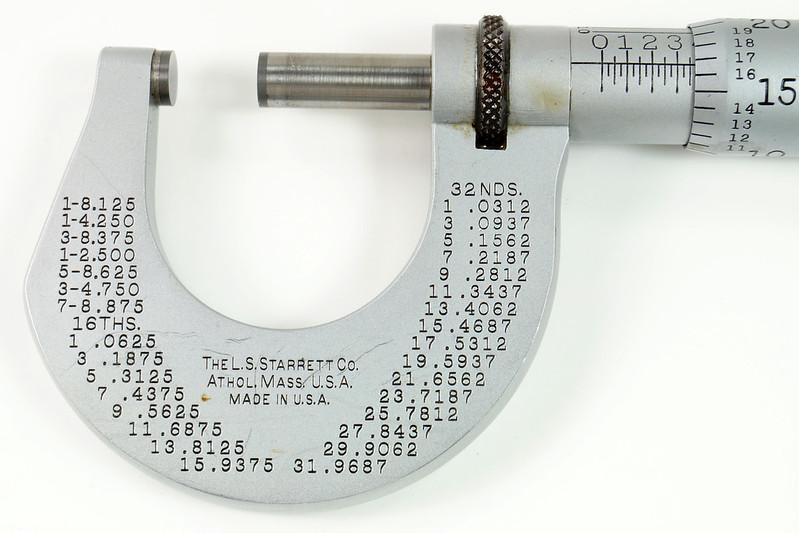 RD30616 Vintage L.S. Starrett Model # 230 Outside Micrometer 0-1 inch Accuracy .0001 DSC08951