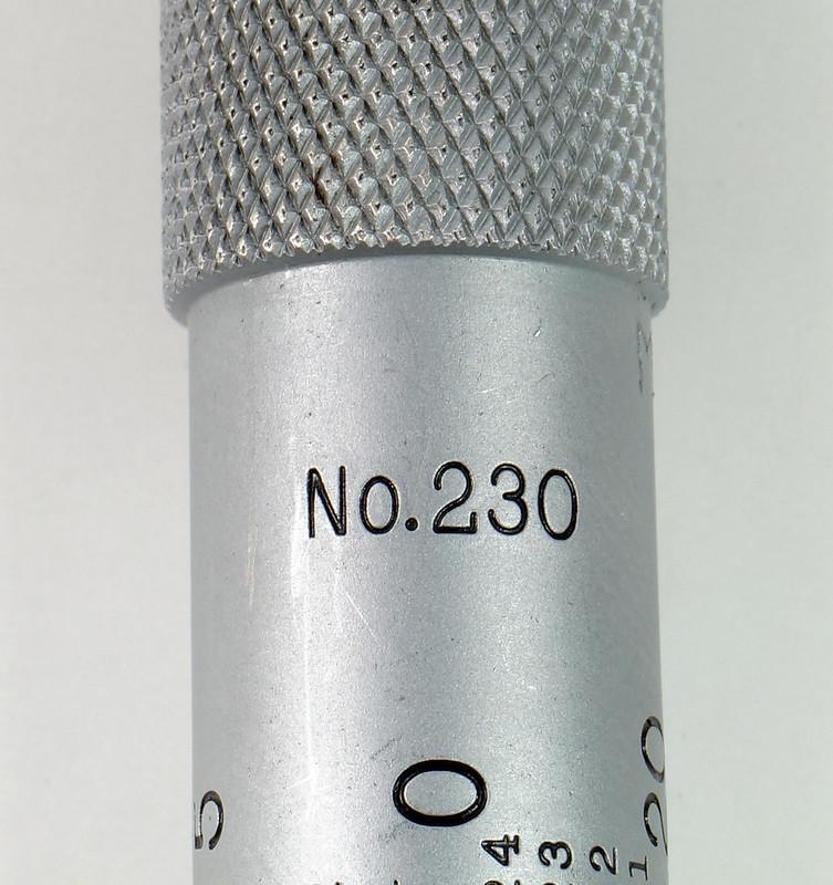 RD30616 Vintage L.S. Starrett Model # 230 Outside Micrometer 0-1 inch Accuracy .0001 DSC08945