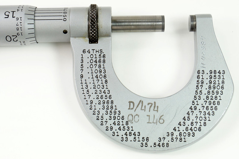 RD30616 Vintage L.S. Starrett Model # 230 Outside Micrometer 0-1 inch Accuracy .0001 DSC08950