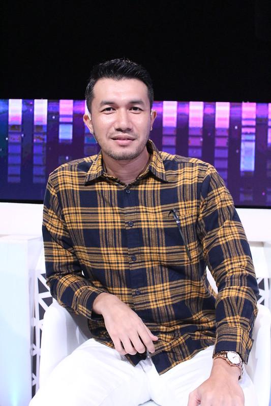 Ungku Ismail Aziz - penyiasat jemputan episod 13