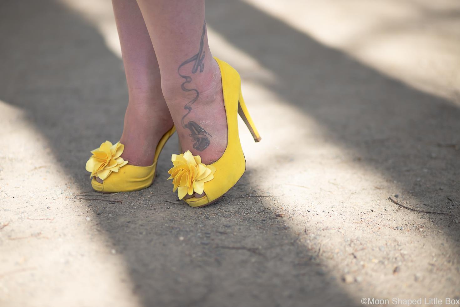 Keltaiset-korkokengat