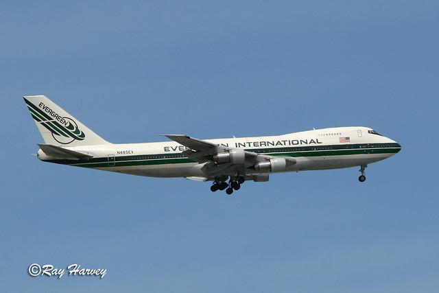 N485EV landing JFK