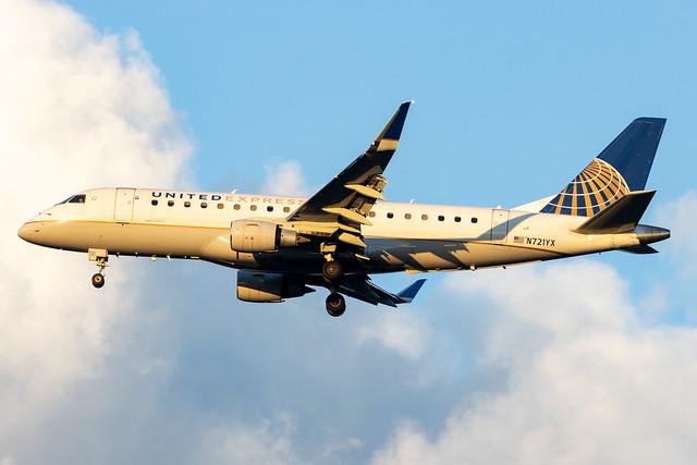 United Express ERJ-175LR N721YX