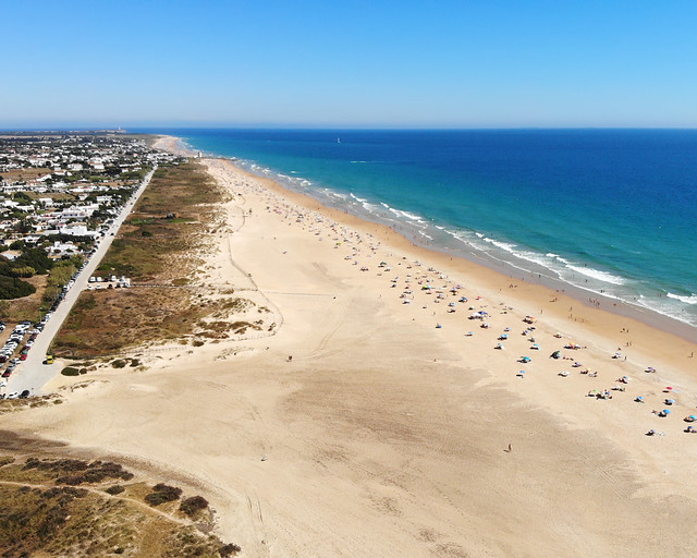 Playa del Palmar, la mejor playa para surfear en Cádiz