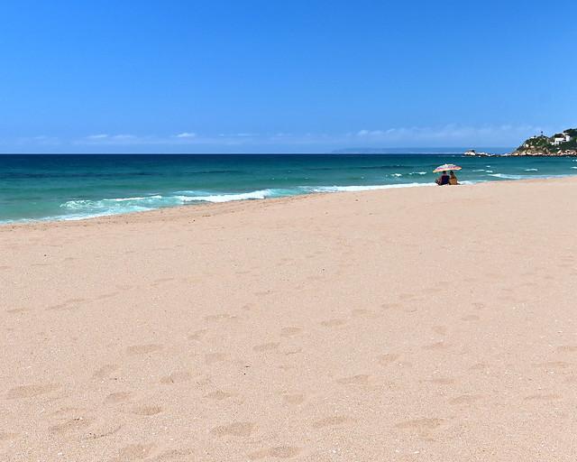 Sombrilla en la playa de los Alemanes