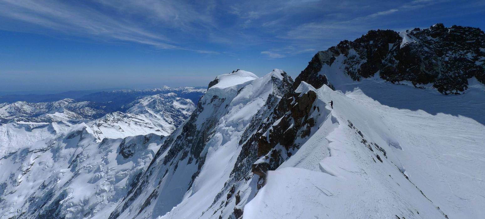 Nordend - Monte Rosa Walliser Alpen / Alpes valaisannes Švýcarsko panorama 02