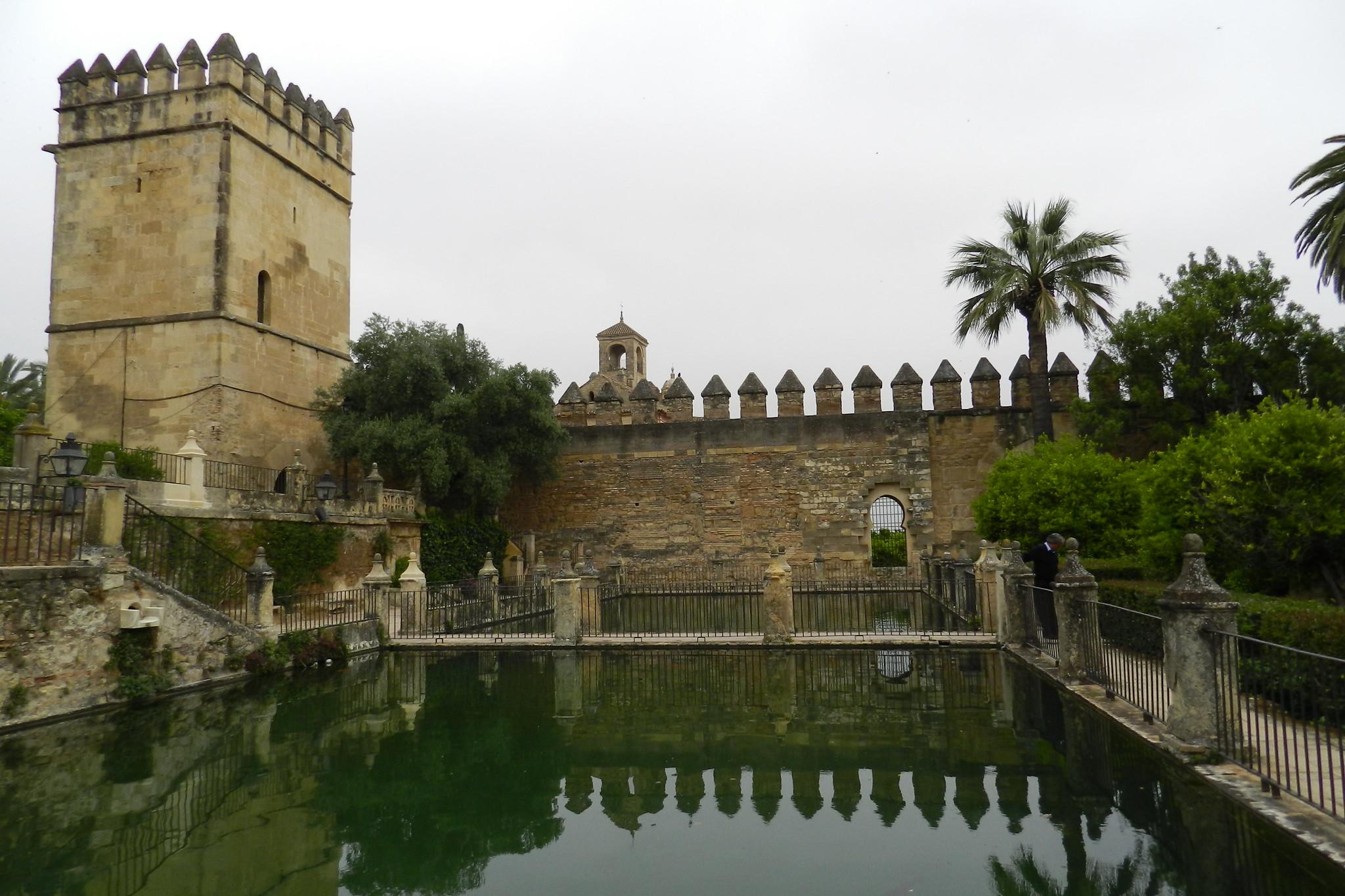 torre de los Leones muralla norte interior del Alcázar de los Reyes Cristianos Cordoba
