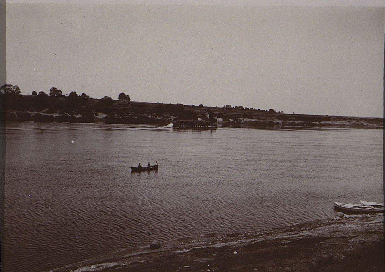 13. Корабли на реке