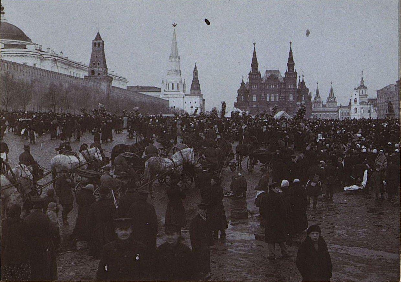 06. Скопление народа на Красной площади