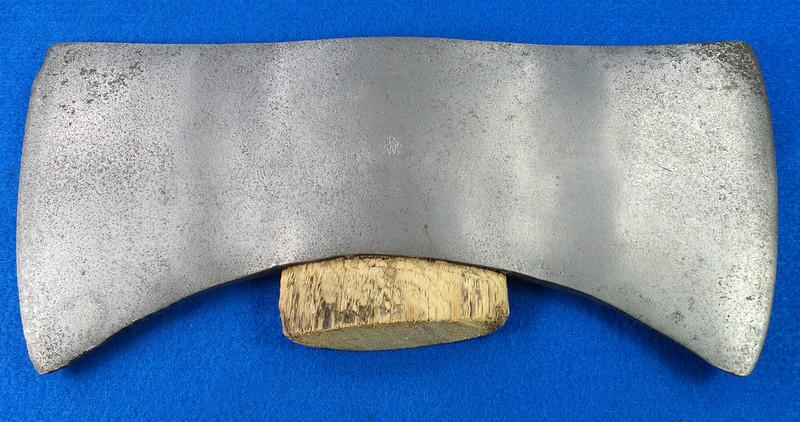 RD27168 Vintage KELLY WORKS True Temper Flint Edge Double Bit Axe Head DSC09006
