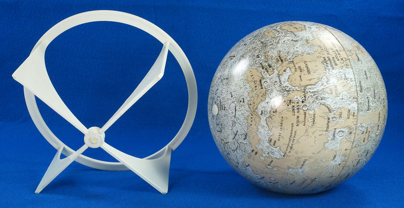 RD21967 Vintage 1970 Replogle 6 inch Moon Globe Showing Apollo 11 with Stand DSC08989